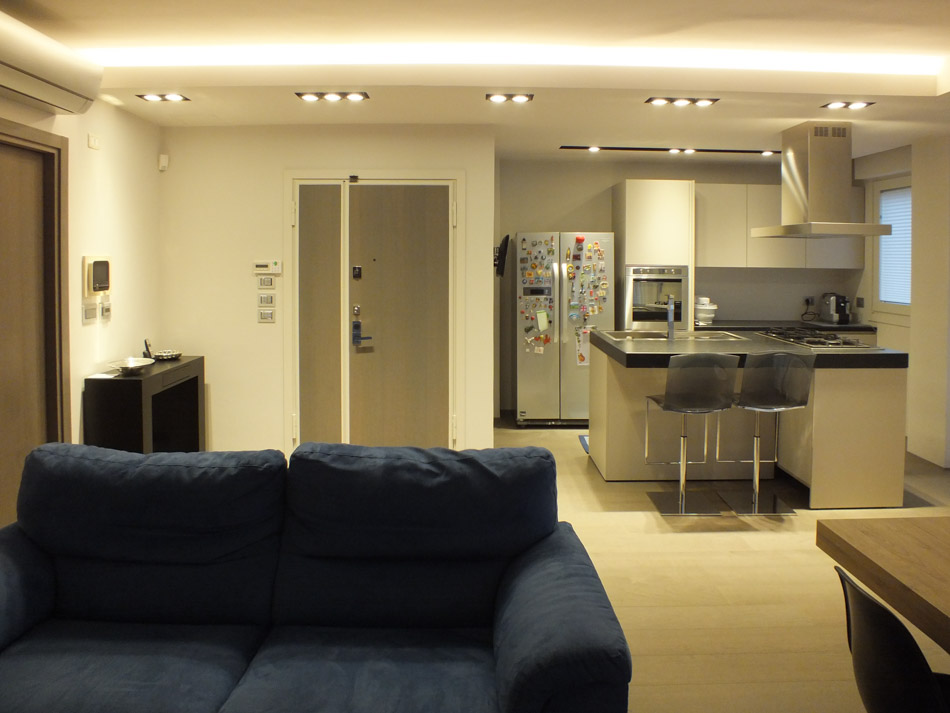 Illuminazione di un appartamento polverini lampadari for Illuminazione faretti