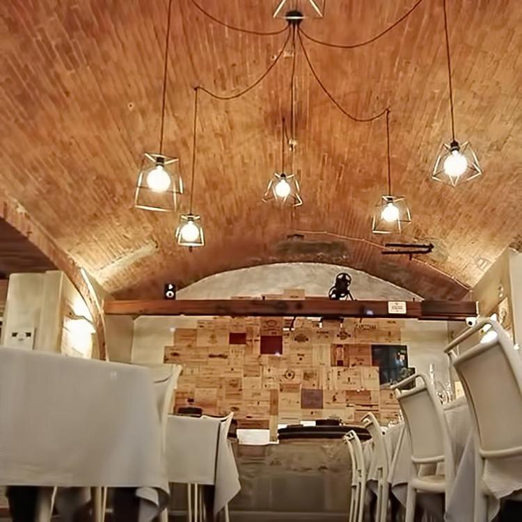 Illuminazione ristoranti illuminazione ristorante le for Polverini arredamenti