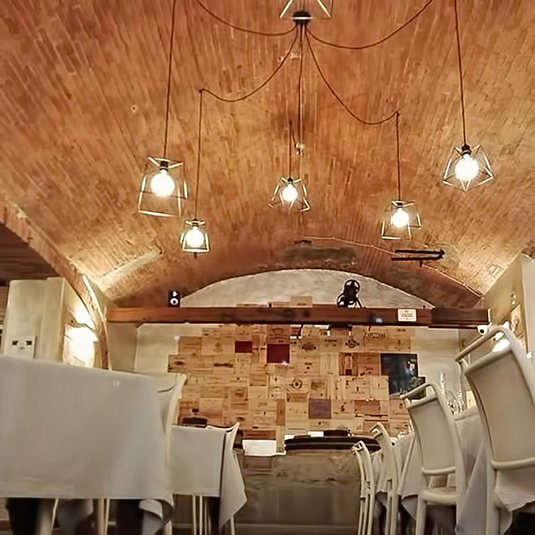 Polverini installazione illuminazione in un ristorante in provincia di Arezzo