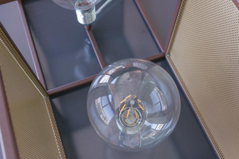 Cubo doppio con rete - Lampada da tavolo