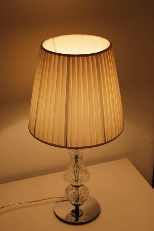 lampada cristallo tessuto tavolo