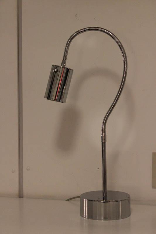lampada flessibile tavolo cromo