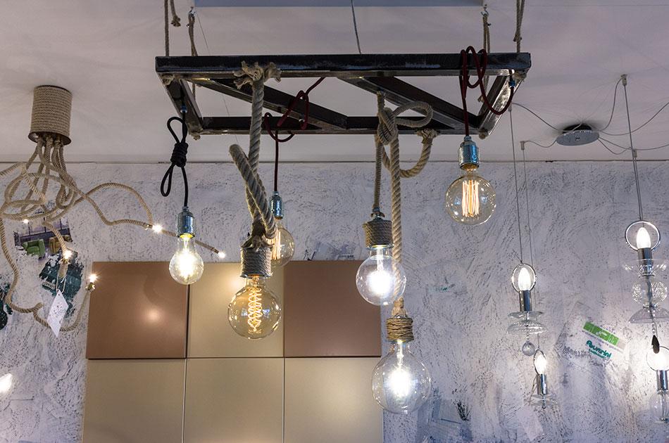 Polverinilampadari Innovare ed illuminare con un tocco artigianale